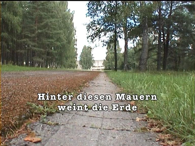 hinter_diesen_mauern_weint_die_erde